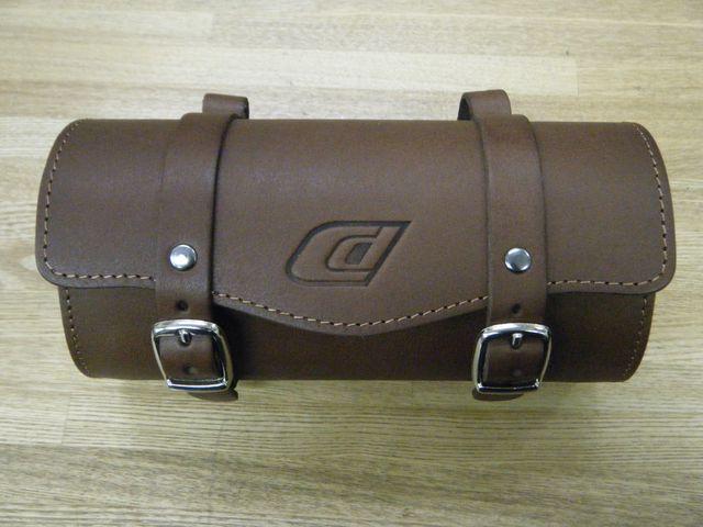 革製サドルバッグが多数、入荷 ...